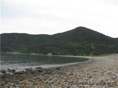 崂山试金湾的石头图片
