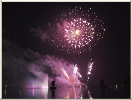 弥勒红河水乡音乐喷泉图片3