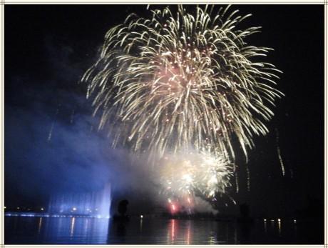 弥勒红河水乡音乐喷泉图片2