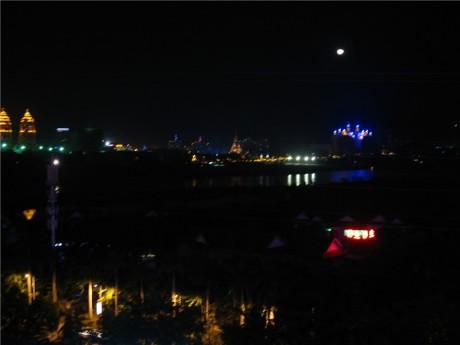 西双版纳景洪澜沧江夜景图片