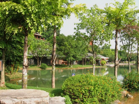 弥勒湖泉天邑图片