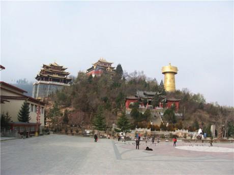 独克宗古城月光广场图片
