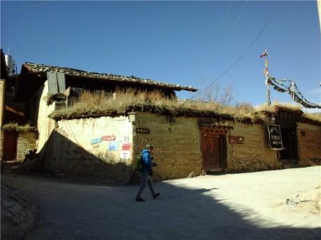 独克宗古城建筑图片3