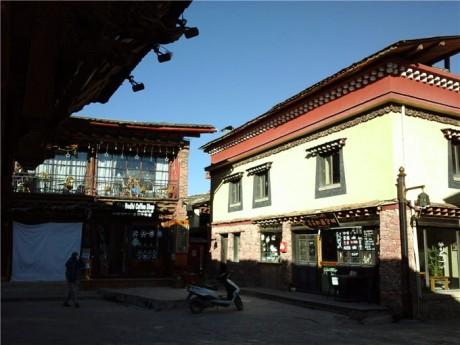 独克宗古城建筑图片1