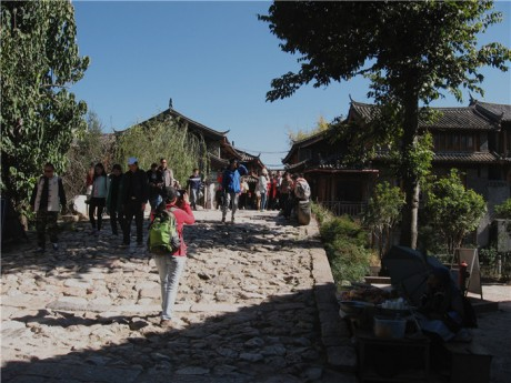 束河古镇青龙桥图片