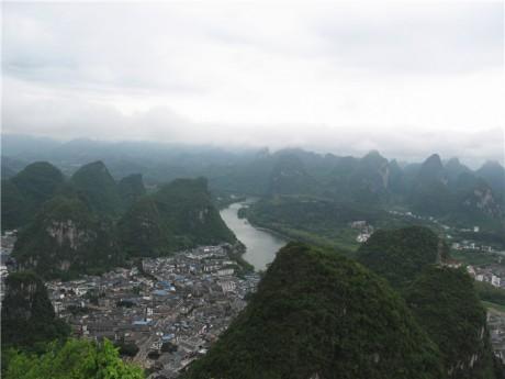 阳朔县城全景图片1