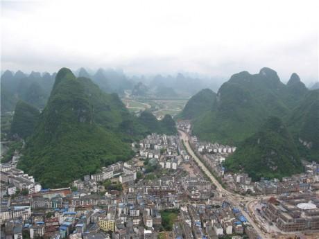 阳朔县城全景图片3