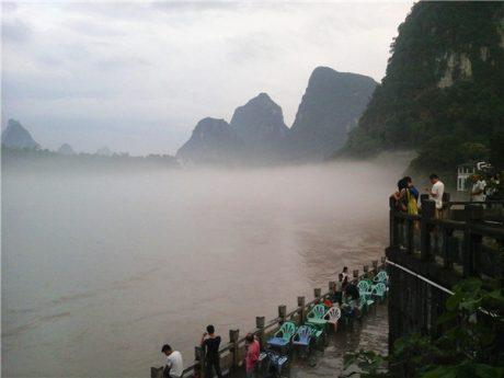 阳朔漓江浓雾图片